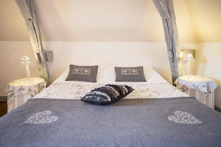 Chambre d'hôtes - Manoir de la Blonnerie - Lit Queen Size chambre Golden
